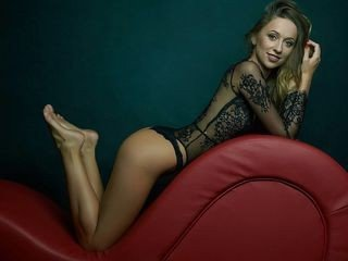 tannyalee bisexual cam girl loves close up live show on XXX cam