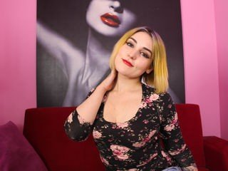 alicexmoon cute blonde cam girl gets her pussy banged very hard
