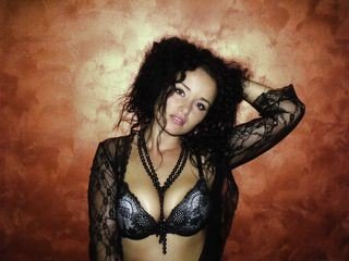 crazzzyangell bisexual cam girl loves close up live show on XXX cam