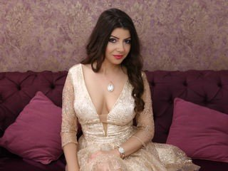 heatherconner european cam girl enjoys her naughty solo session live on cam