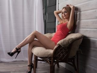 xhotdiamond bisexual cam girl loves close up live show on XXX cam
