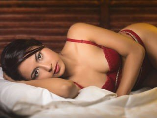 hannaturner slim cam babe in lingerie loves sucks and fucks online