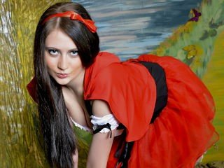 virgrosebud bisexual cam girl loves close up live show on XXX cam
