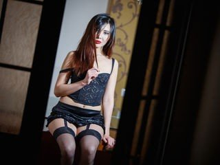 reistar bisexual cam girl loves close up live show on XXX cam