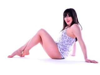 peachyjo european cam babe blows and get squirt online