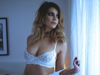 annaddictive cam girl presents role play with sex toys live on cam