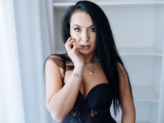 annabellazure bisexual cam girl loves close up live show on XXX cam