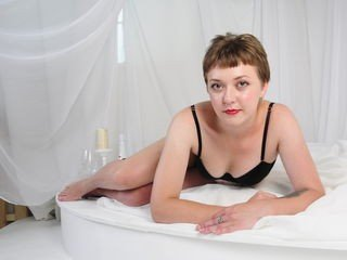 carinalech bisexual cam girl loves close up live show on XXX cam
