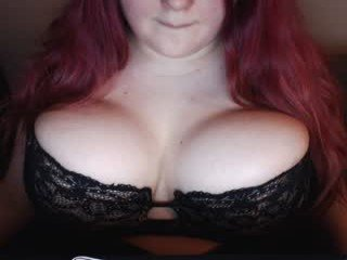 kriisrus BBW cam girl demonstrate online her beautiful lingerie