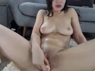 briannabanksx naked cam girl loves ohmibod vibration in her tight pussy online