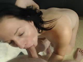 showoffcouple86 cam milf is ready for hard fucking machine penetration