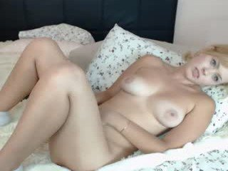 priscillamoon cam girl starts toy-fucking her little pussy live on cam