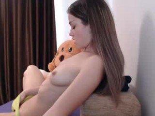 chloe_kitty teen cam babe jerk off her wet pussy on XXX cam
