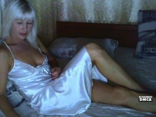 irissska russian cam girl wants to tell unbelievable story in private live chat