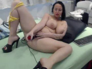 alexie33 cam whore, her horny holes are craving sex toys online