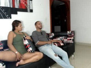 la_santa_30 cumshow with beautiful webcam couple online