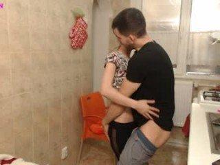 pornxxxcouple spanish cam babe squirting with pleasure online