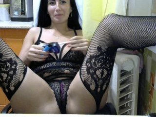 vaauu71 russian cam girl playing with her juicy pussy while nobody is around to help her out with that