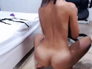 lisa_blackhole deep penetration with ohmibod in the tight pussy and ass on camera