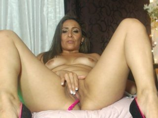 champangblue spanish cam girl pleasing her tight pussy with a favorite sex toy online