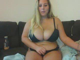 kenzixoxo bbw cam girl enjoys her first taste of cum