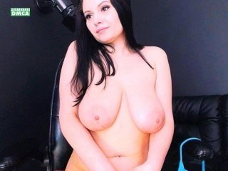 sura97 european cam babe offers her shaved pussy for live sex experiments online